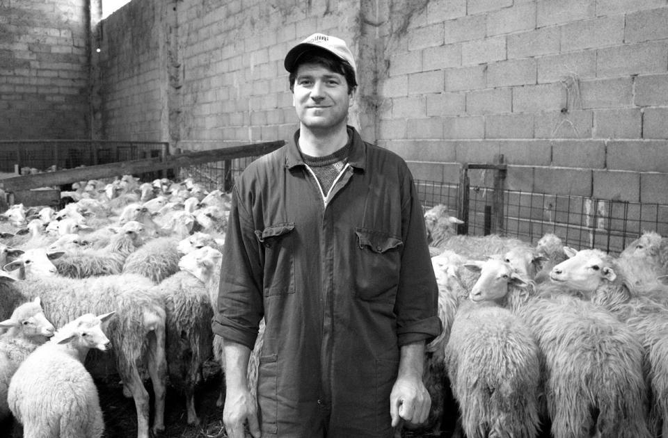 47 Ioan Dobrica Tra Le Pecore