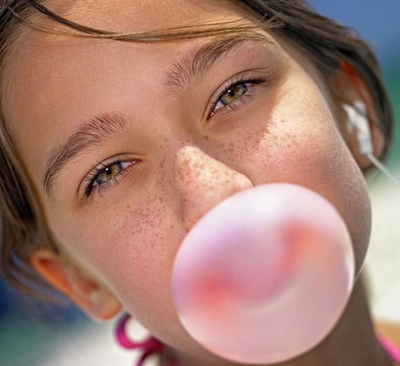 CHEWING GUM E BUTILIDROSSIANISOLO