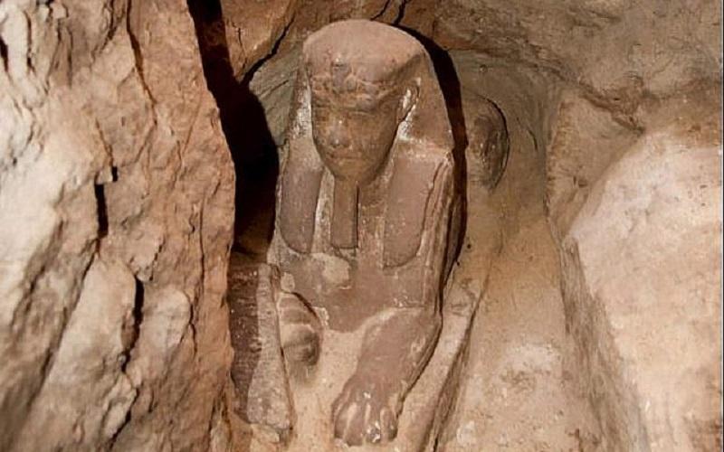 Gli archeologi scoprono un'altra sfinge sepolta nel tempio di Kom Ombo