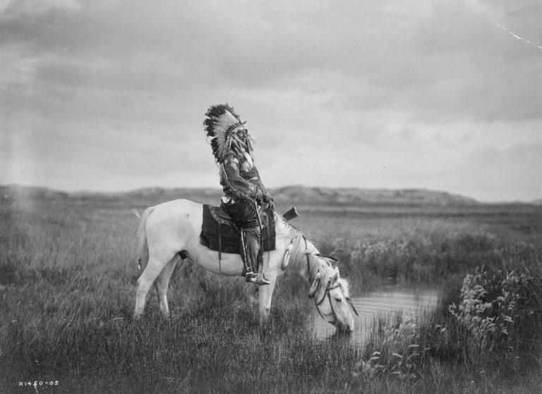 I Navajo erano una tribù nomade che apparteneva al gruppo Apache degli indiani d'America