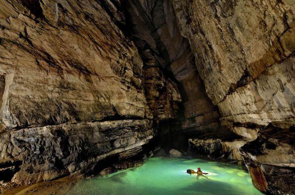 Scoperta-la-grotta-piu-grande-del-mondo-i-racconti-di-Verne-diventano-realta-3