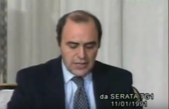 Vespa intervista Saddam Hussein