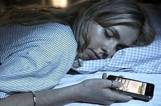Insonnia dormire cellulare