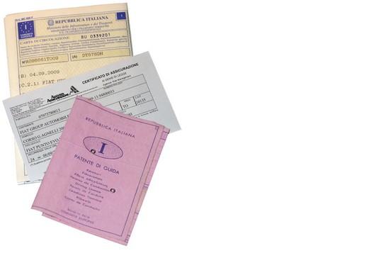novembre patente carta di circolazione libretto intestatario