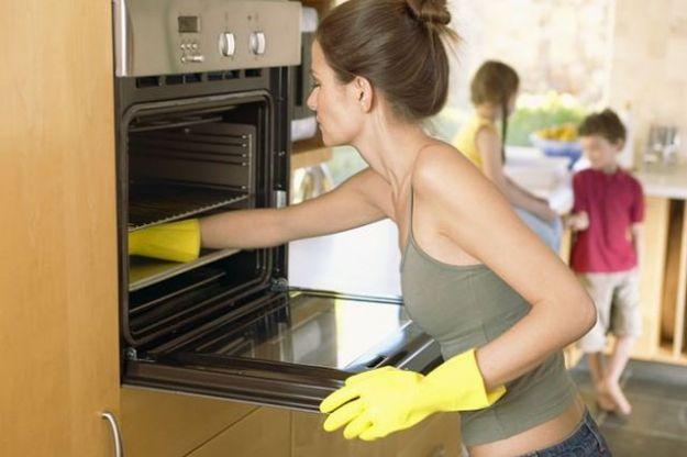 pulire il forno prodotti naturali