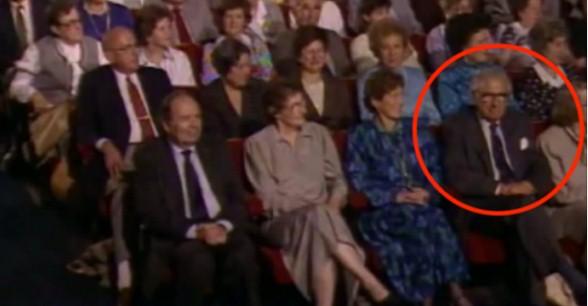 Salvò più di 600 bambini ebrei dall'olocausto....e non sa che sono seduti al suo fianco!VIDEO