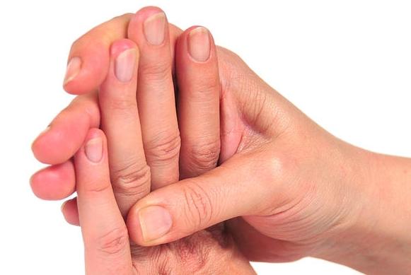 sintomi di malattie mani