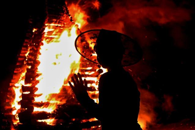 Quando le streghe bruciavano sul rogo (altro che dolcetto o scherzetto).