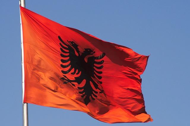 Zero tasse fino a 50 mila Euro di reddito, l' Albania che non raccontano in Italia